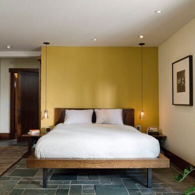 Interesting-combination-of-pendant-lights-and-recessed-lighting-in-the-bedroom